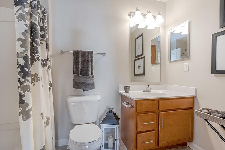 Polaris Place Apartments Unit Bathroom 10