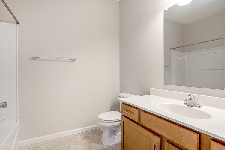 Polaris Place Apartments Unit Bathroom 3